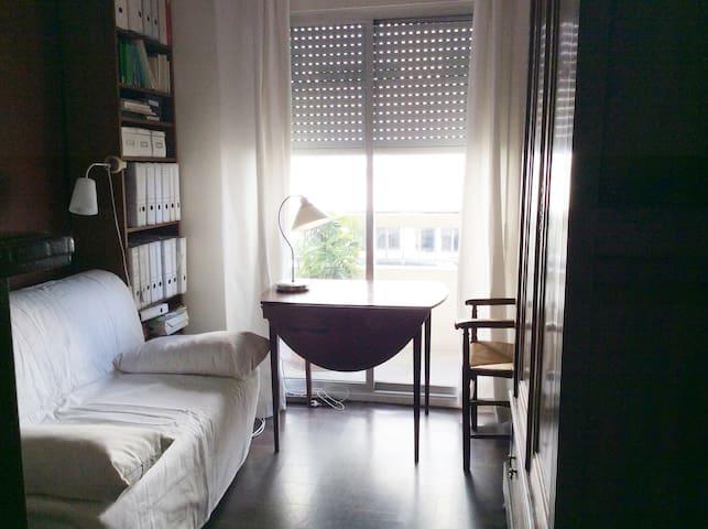 Chambre  sympathique  à Courbevoie