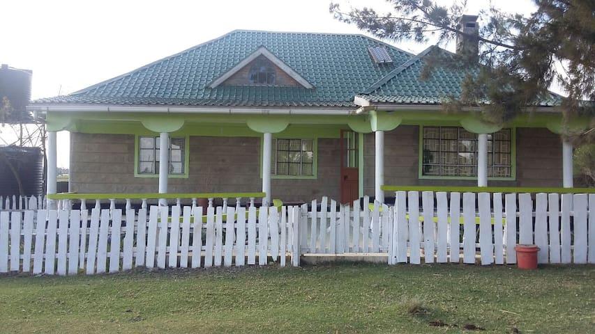 Amazing views and homely bungalow - Naivasha, Nakuru County, KE - Casa