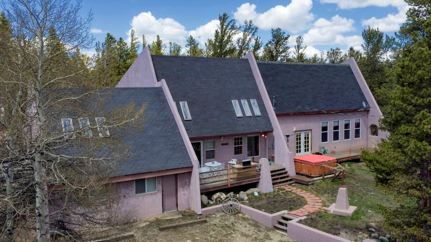 Private 7 bedroom home located 23 miles from Breck