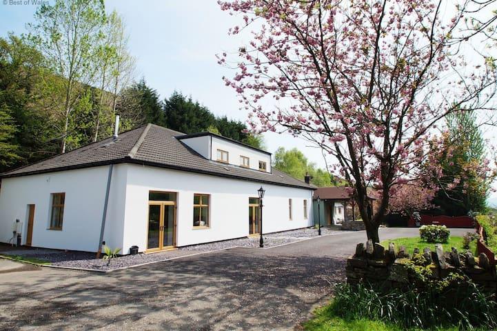 Taff Merthyr Lodge - Trelewis - House