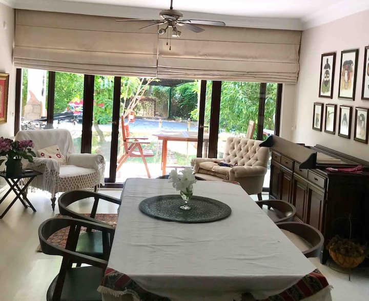 Quiet,garden,luxflat,200m to the beaches,cafe/bars