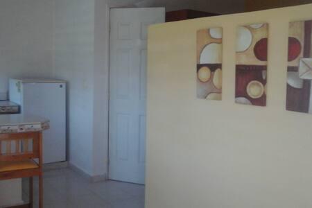 Se Renta departamentos Semiamueblados en M. Caleta - Ciudad del Carmen