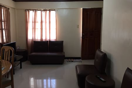 3 bedroom Apartment free Netflix - Tacloban City - Maison de ville