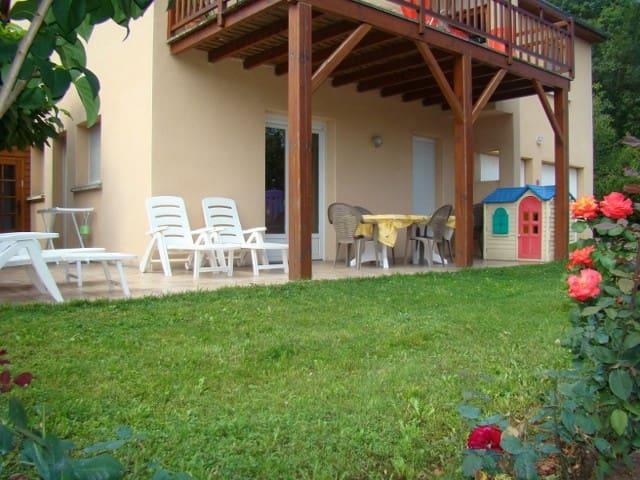 GITE du SOLEIL LEVANT - Marcillac-Vallon - Apartemen