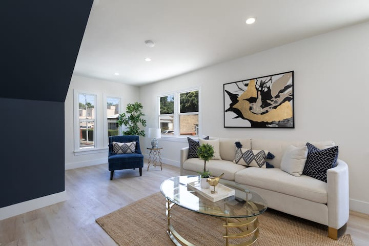 Heart of Silverlake 4bed 4 bath gorgeous home