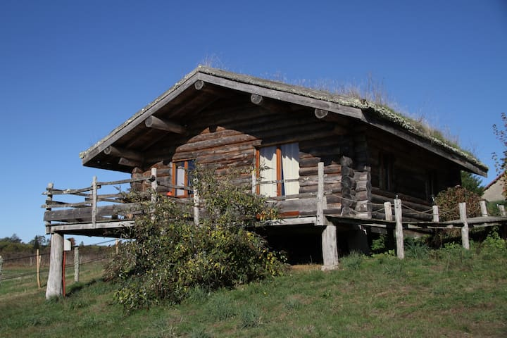 The Deer: wooden cottage in the heart of nature - Thouron - Blockhütte