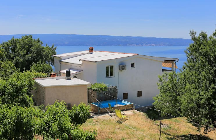 Two bedroom apartment with terrace and sea view Podstrana (Split) (A-5225-a)