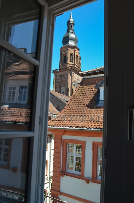 Blick aus dem Küchenfenster nach links zur Heiliggeistkirche