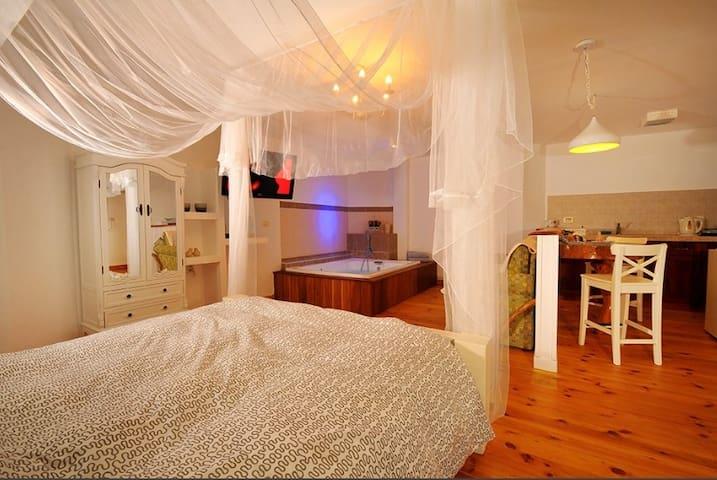 Morad Haharbel - Boutique Resort (Oren)