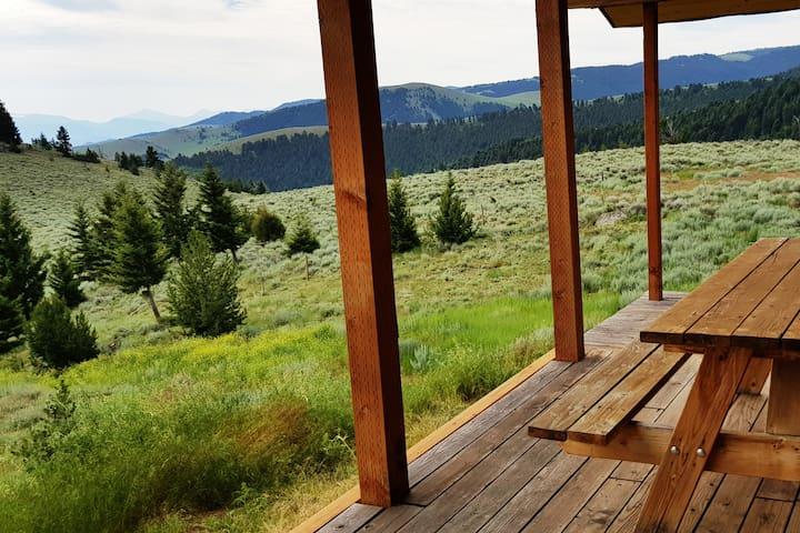 Dizzy Chicks Cabin-Yellowstone Park & Hot Springs!