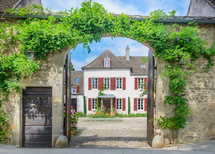"""Appartement dans un domaine """"Maison-le-Village"""""""