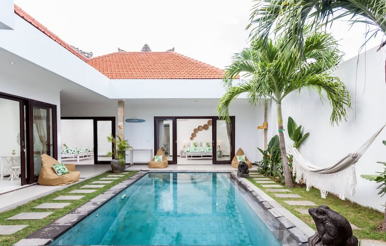 3BR Family Retreat in Seminyak  Villa Island Dream