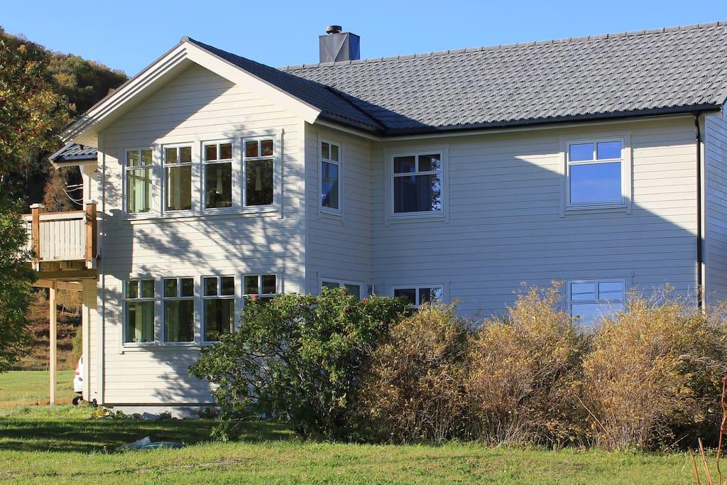 fjordblick wohnungen zur miete in grovfjord troms norwegen. Black Bedroom Furniture Sets. Home Design Ideas
