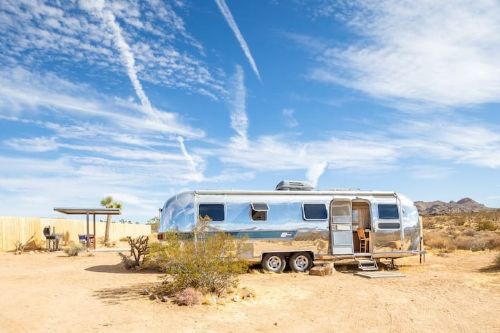 This Must Be The Place! Airstream & Hot Tub @ JTNP