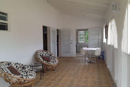 Elegant top floor suite - Bridgetown