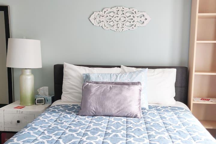 Tranquil 1 bedroom unit in Beautiful Neighborhood