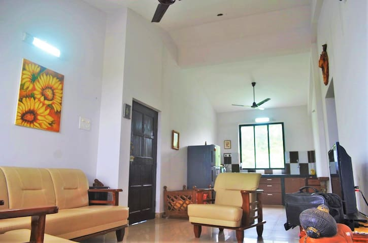 Beautiful apartment close to Panaji - Chimbel
