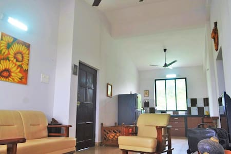 Beautiful apartment close to Panaji - Chimbel - Appartement