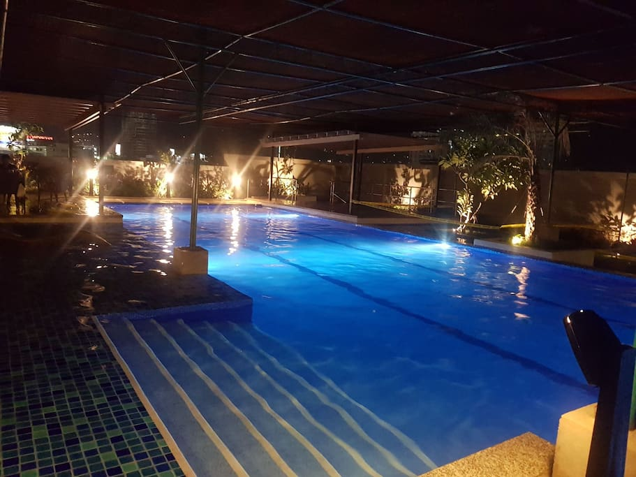 Pool on the 9th floor. Open from 6am-8pm on Sundays & Holidays, 5am-7am & 6pm-8pm on Tuesday-Saturday. Monday- Closed for maintenance