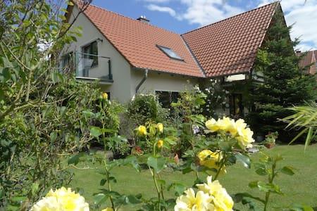 Unterkunft für 4-5 P. in familiärer Atmosphäre - Wunstorf