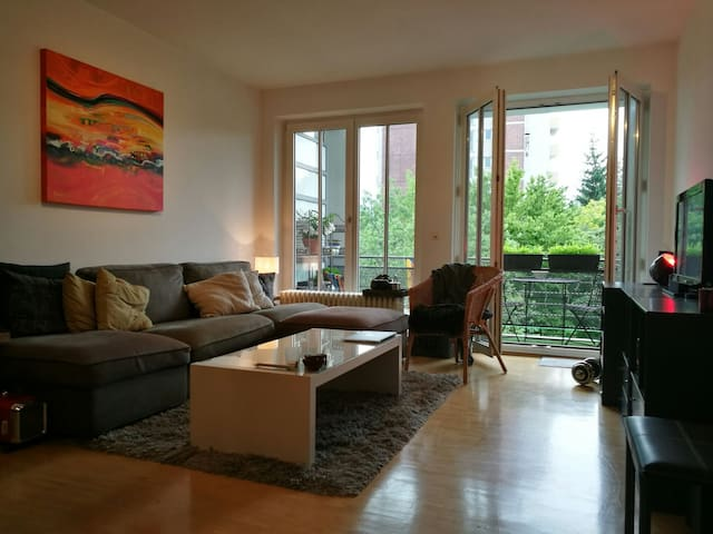 Sharing my practical apartment in Munich/Giesing - Münih - Daire