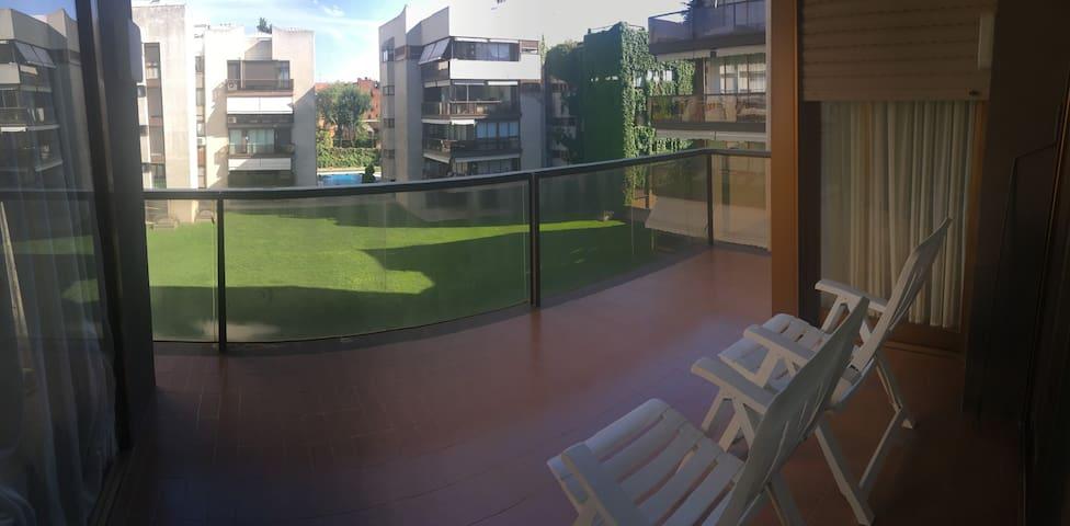 Summer dream house in Madrid
