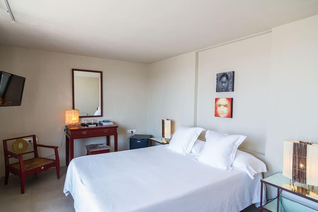 Habitaci n tranquila en el centro de tarifa apartments for Habitacion tarifa