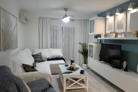 Habitación  doble con baño privado en Málaga .