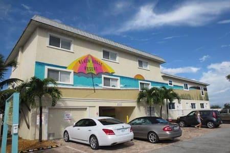 Beach House Resort 9 (Condo) - Condominio
