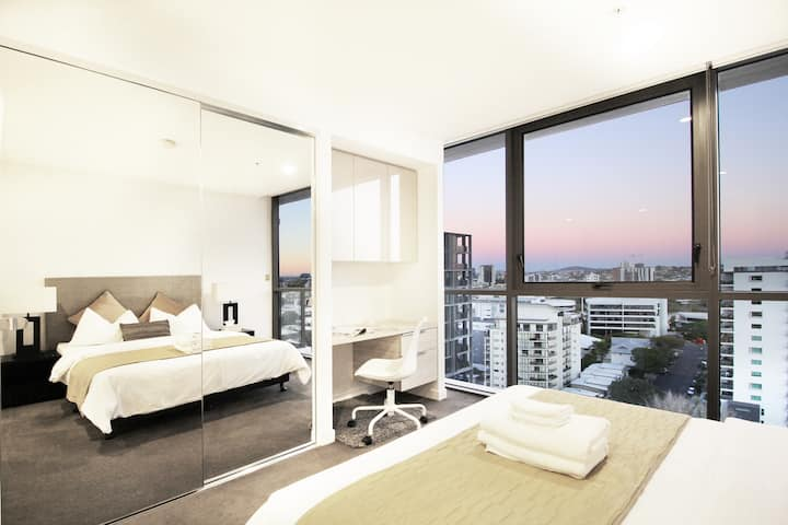 Hearty Studio Apartment, Milton Brisbane CBD