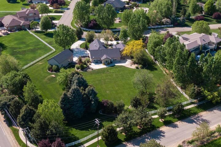 Get a taste of Idaho living,stunning Eagle Estate