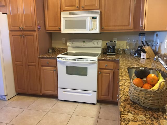 Cool Cape Coral apartment centrally located