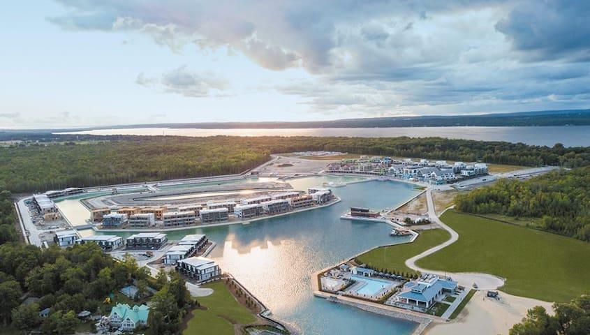 2BR Getaway at Friday Harbour All Season Resort