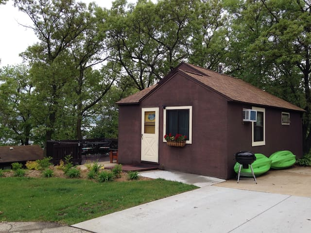 Northshore Cottage (2 bedrooms) on Lake Onalaska