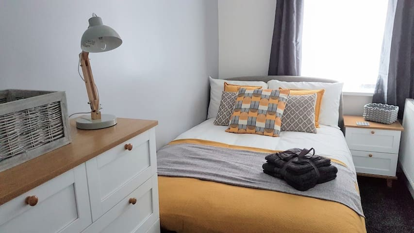 Townhouse @ Birches Head Road Stoke - Double Room