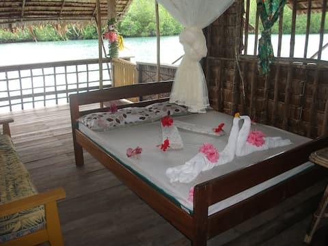 Бунгало с водой Pepele Lodge Marovoo Lagoon