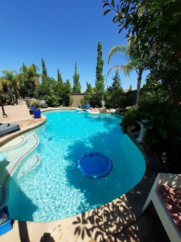 3 bedroom house with pool and beautiful backyard