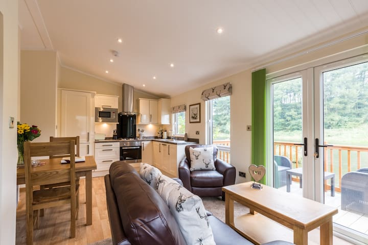 Littlemere Lodges - 'The Coppice'