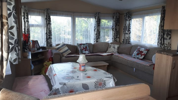Beautiful modern new mobile home 3km from Swinford
