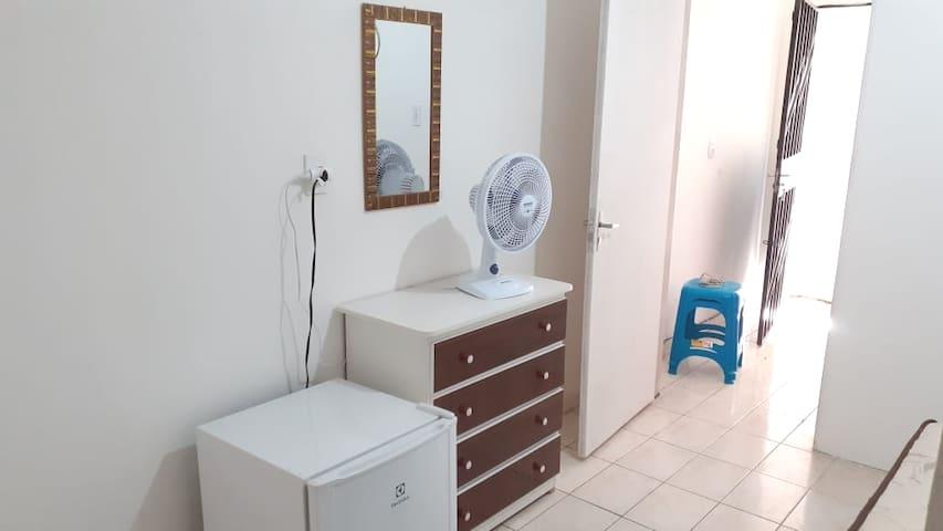 Suíte de hóspedes/quarto+cozinha/no Centro/Manaus