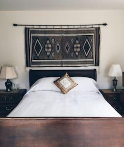 Casa Miramonte Quail Room - Carmel Valley