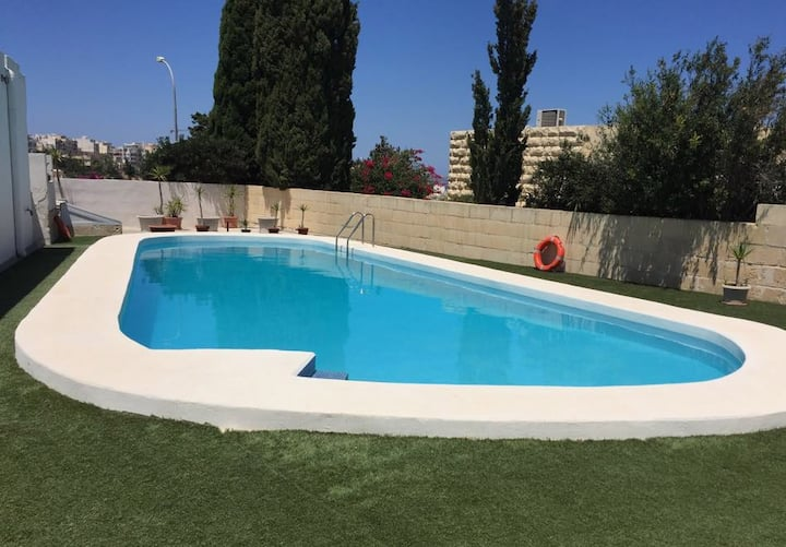 Mellieha - 1 BDR with Private stunning Pool
