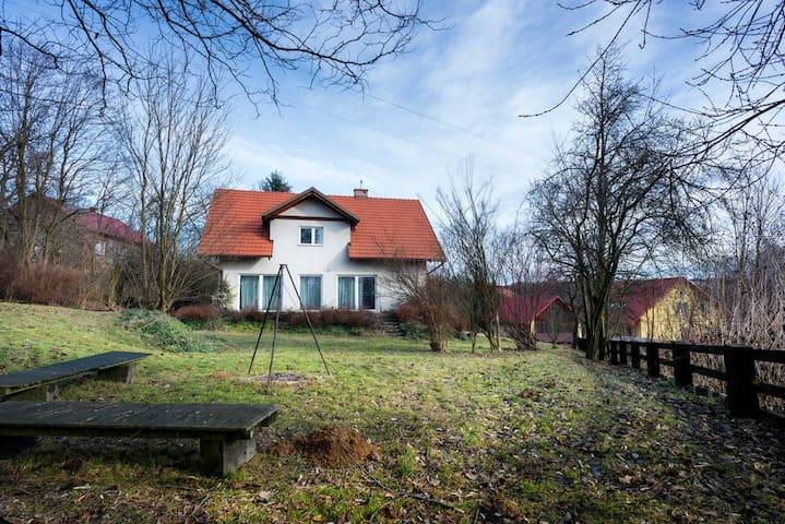 Dom pod Krakowem blisko natury.