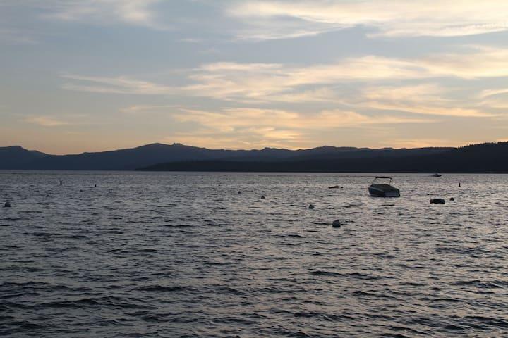 Lake Tahoe Sanctuary - Kings Beach - Dom