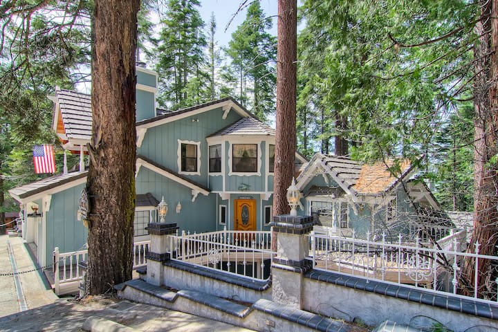 Yosemite's Chateau West