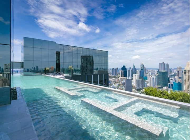 Luxury In The Heart of Sathorn Next to BTS & BRT