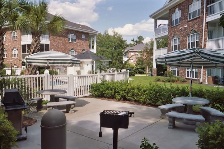 Gas & Charcoal grills for your use only a few steps away from the condo by the outdoor pool.