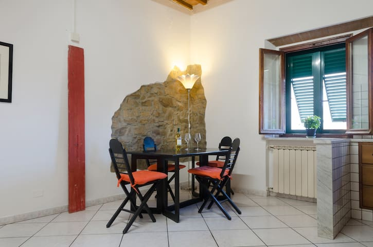 Comfortable apartment in very nice neighborhood - Piombino