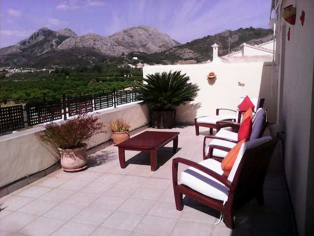 SUPERB Costa Blanca 5 Bed Pool Home