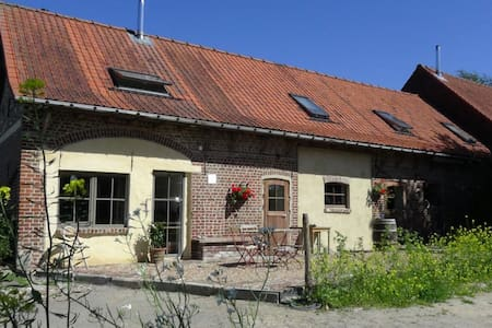 B&B 't Heuvelhof, in Dranouter! - Bed & Breakfast